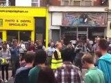 Citizens of Clapham sammeln, um die Klärung ihrer Straßen South London beginnen, 9. August, 11