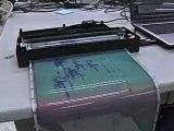 Papier électronique couleur effaçable et réutilisable