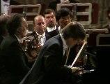 Christian Zacharias  - Gianluigi Gelmetti - Mozart - Piano Concerto No. 8 in C major