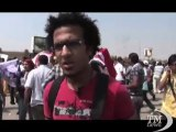 Mubarak sotto processo, sostenitori e contestatori si affrontano. Scontri al Cairo, il giudice mette al bando le telecamere