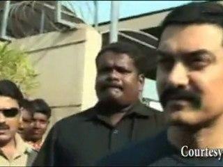 Bollywood STAR Aamir Khan CHEERS Indian Cricket Team : India vs Pakistan