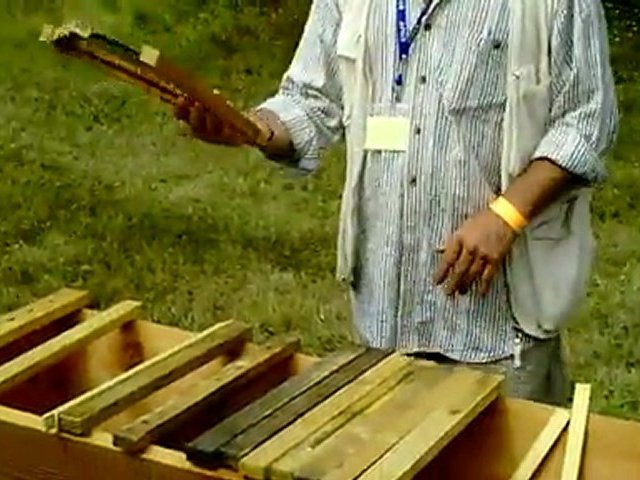 Phil Chandler – Kenyan Top Bar Hives