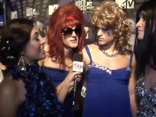 On the VMA carpet: 'The Buried Life' Cast Has a List of Things to Do Before They Die