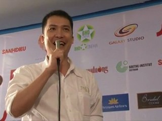 Nhà phê bình Nguyễn Thanh Sơn chia sẻ tại lễ trao giải YxineFF 2010
