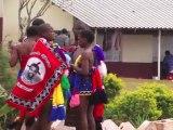 Suazilandia: jovencitas bailan semidesnudas para el rey