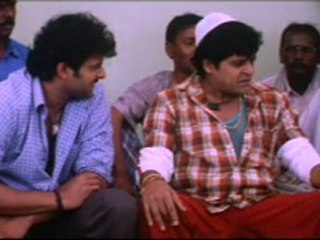 South Indian Movie Thief tries to steal from all the women