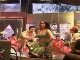 Hot & Sexy Shweta Tiwari's Shakes Her Bosoms & Gives Sexy Expression
