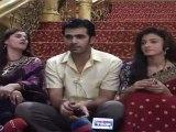 """Hot Aabha & Shelly Beats Karan Grover  On Location Of """"Yanha Mei Ghar Ghar Kheli"""""""