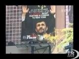 New Yok, a Times Square spunta un cartellone contro Ahmadinejad. Gruppo anti-nucleare protesta per visita del presidente iraniano