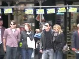 Jennifer Aniston and Justin Theroux Smooch and Stroll Through NYC