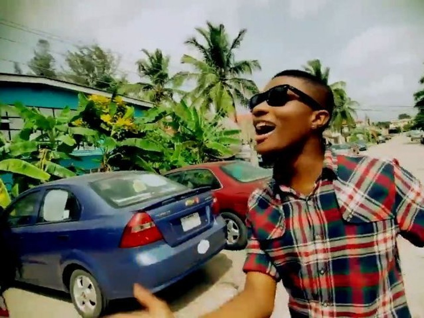 Olamide Feat. Wizkid -- Omo To Shan OFFICIAL VIDEO