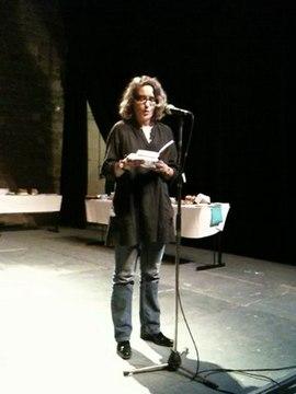 Beatrice Scarfogliero presente Je vous ecris comme je vous aime au Theatre du Rond-Point