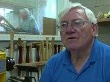 Bricolage entre hommes pour les retraités australiens