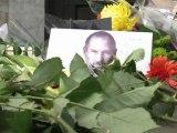 Steve Jobs est mort: réactions à Londres et à Moscou