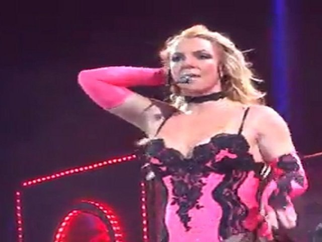 Britney Spears Amneville 5-10-2011- Big Fat Bass + How I Roll + Lace and Leather