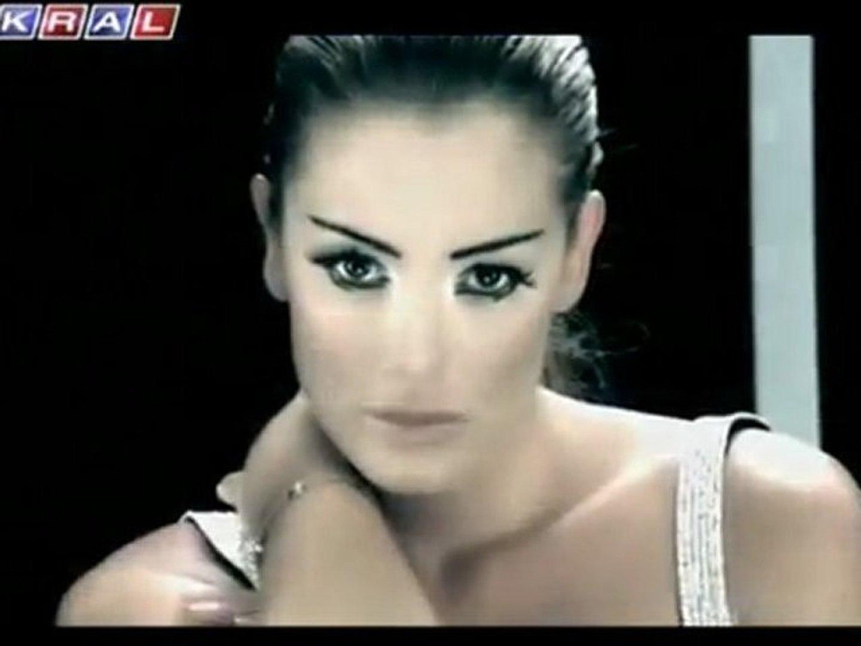 Petek Dinçöz - Yaralıyım Yaralı (O Gözlerin Benim Hakkım) 2007 (Orjinal Video)