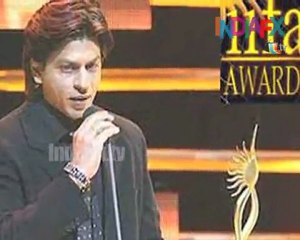 Bolly Buzz – Shahrukh proved he is the badshah of bollywood