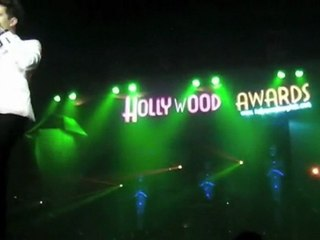 Awesome performance in Hollywood Awards Pub
