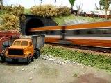 Train miniature : Réseau de Gérard : Départ d'un TGV