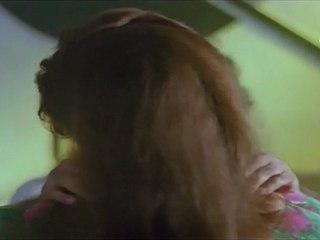 Play Girls - Hero kisses Silk Smitha