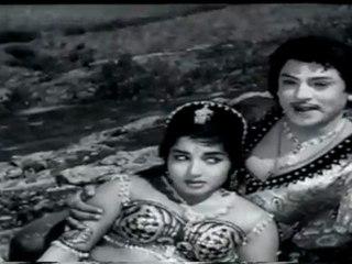 Adavan Uthithan (Mani Makutam)