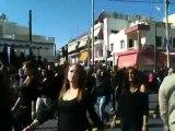 Μαθητές με μαύρα στην παρέλαση