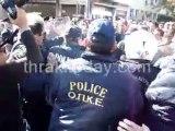 Μαθητές βγαίνουν από την παρέλαση στην Ξάνθη