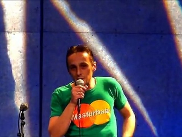 04 Gisré - scène slam mons - 28-10-2011