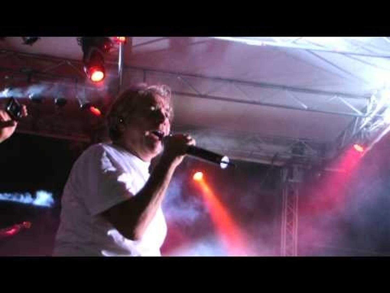 Carinaro (CE) - Nino D'Angelo - Senza giacca e cravatta (live)