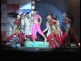 Vidya Hesitated In Kissing Tusharr Kapoor - Hot News
