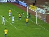 FOOTBALL: Le Brésil s'impose en amical