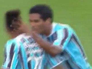 Troisième but de Brandão avec Gremio