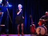 """concert-spectacle d'Isabelle Wéry (extrait """"Ma Nuit Bowie, concert d'une chambre"""" au Centre Wallonie-Bruxelles (Paris 4e) le dimanche 20 novembre 2011"""