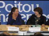 Danielle Mitterrand et Ségolène Royal lors des universités sur les politiques de civilisation à Poitiers en 2009