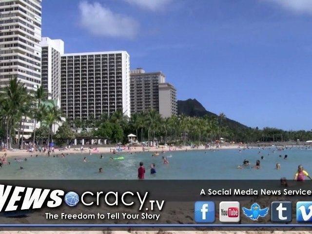 HAWAII   Tourists Find Hawaii Hard to Leave and Some Never Do