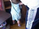 ma fille sonia qui marche toute seule