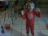 ma fille qui chante est danse