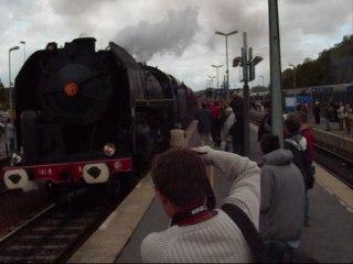 La 141 R 840 + la CC 72084 en pousse en gare de Longueville