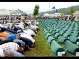 La Bosnie le Massacre de Srebrenica pourquoi? parce qu'ils sont musulmans