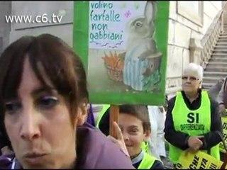 Protesta al Campidoglio contro la discarica di Corcolle