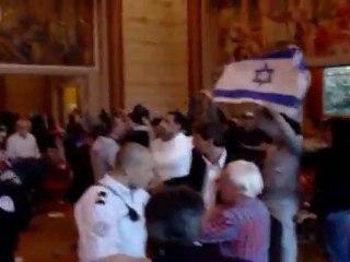 choc : agression juive dans la Mairie du 14ème sur des francais agée