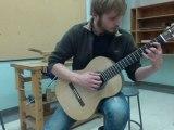 Essai de ma premiere guitare