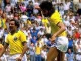 """Socrates dans """"état grave"""", le Brésil retient son souffle"""