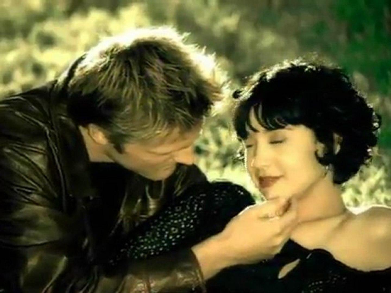 Luis Miguel -Amor, Amor, Amor (Video Oficial)_(360p)