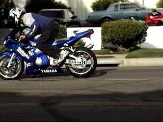 moto Yamaha R1