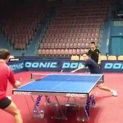 Simon Gauzy à l'entraînement à Orenburg