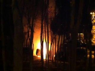 Incendie intentionnel sur le parking de l'Ile de Puteaux