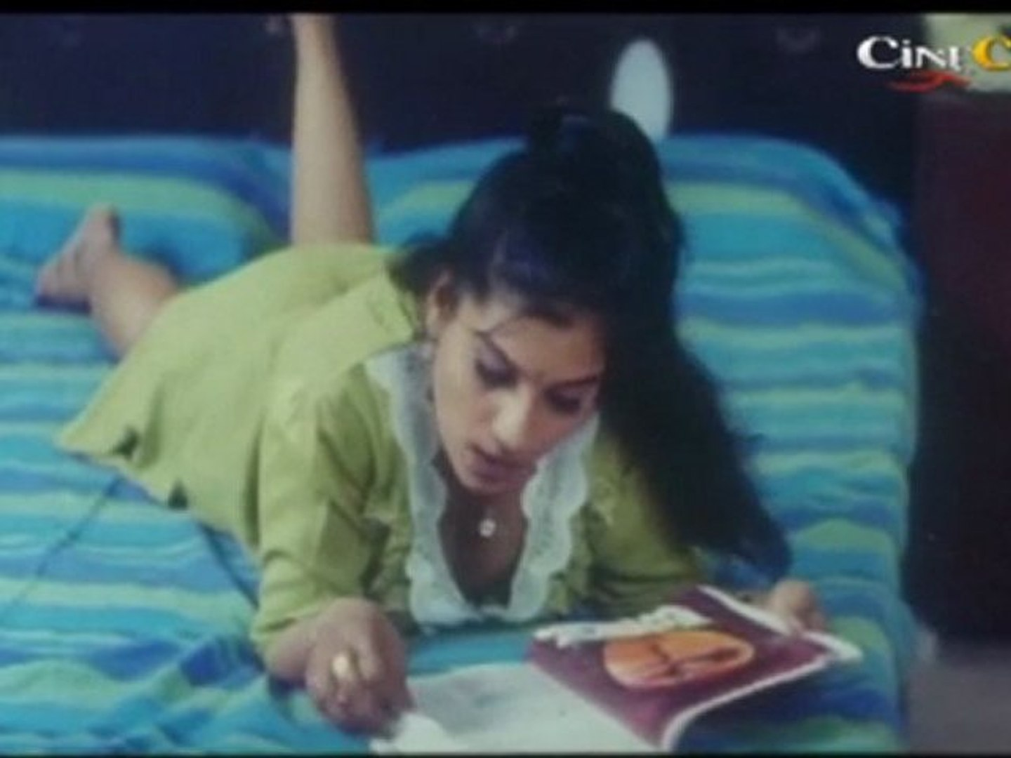 Girl In Bed - Chinna Veedu Chitra