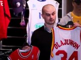 """Retrouvez les produits du Paris Levallois dans le magasin """"Paris Basket-Ball"""""""