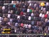 Les musulmans priant Maghreb sous la protection de leurs concitoyens coptes (23.12.2011)